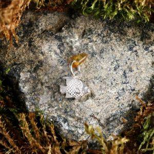 """Брелок-талисман """"Рыбка"""", натуральный янтарь, посеребрение 5088735"""