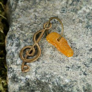 """Брелок-талисман """"Скрипичный ключ"""", натуральный янтарь 3613286"""