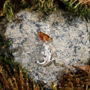 """Брелок-талисман """"Ящерка"""", натуральный янтарь, посеребрение 5088728"""