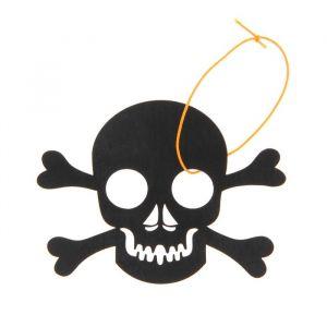 Подвеска резная «Череп с костями»