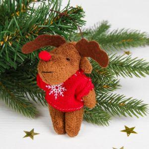 Мягкая игрушка-подвеска «Олень в свитере», цвета МИКС