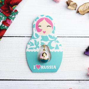 Подвеска-матрёшка на открытке I love Russia