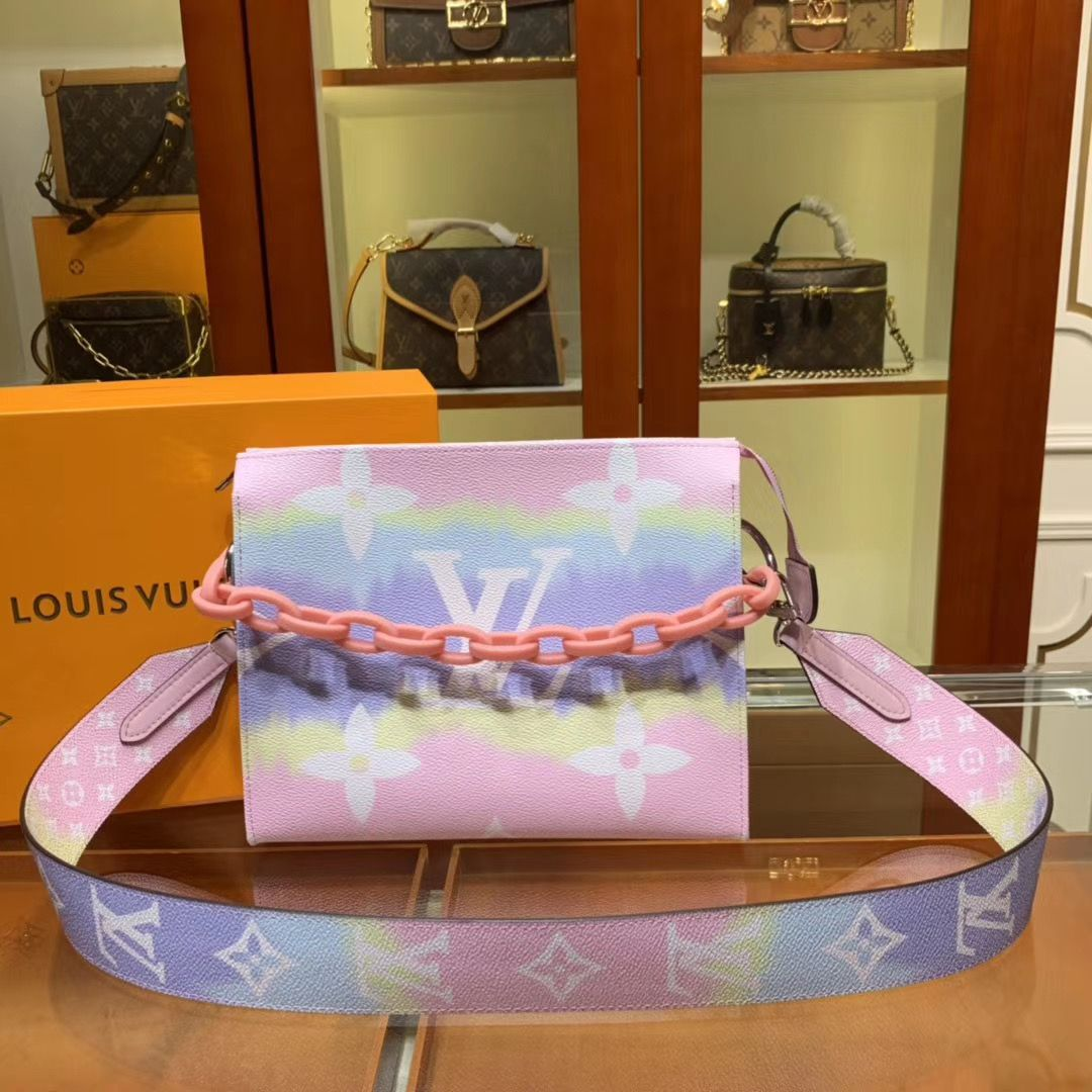 Клатч Louis Vuitton Escale