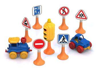 Набор Дорожные знаки №3 светофор, 6 знаков, 2 машинки Нордик