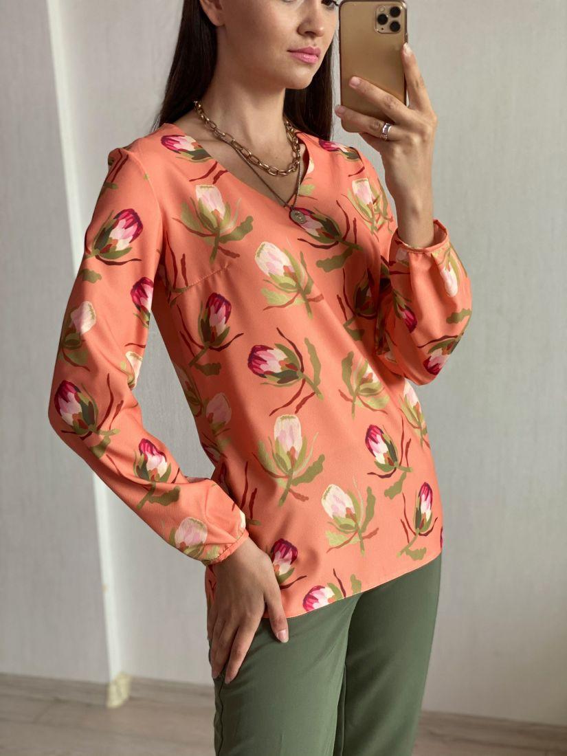 s1774 Блузка с тюльпанами