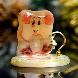 Сувенир Мышка на подставке «Хвостиком махну,благополучие и счастье в дом несу», селенит 4346523