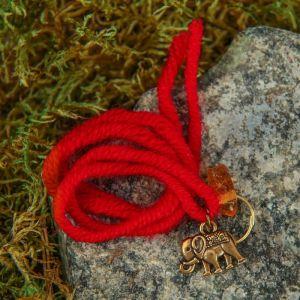 """Браслет-оберег """"Красная нить. Слоник"""" с подвеской, янтарь 4094907"""