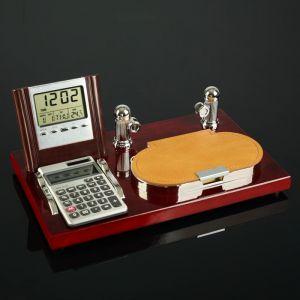 Набор настольный 4в1 (блок д/бумаг, калькулятор, визитница, часы) 4428139