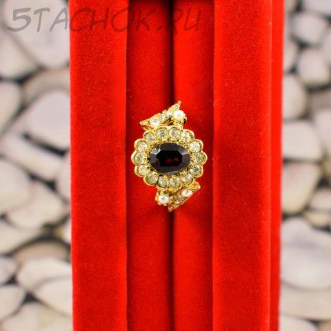 Кольцо с рубиновым камнем (США)