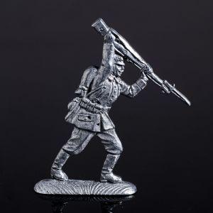 """Оловянный солдатик """"Германский солдат в наступлении"""" 1307567"""