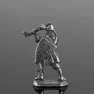 """Оловянный солдатик """"Рыцарь с топором"""""""
