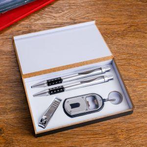 Набор подарочный 4в1 (2 ручки, кусачки, брелок-открывалка с фонариком) 450952