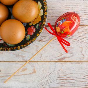 Пасхальный сувенир на палочке «С Красной Пасхой!»