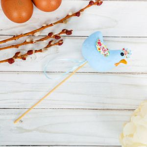 Сувенир пасхальный на палочке «Курочка. Цветы»