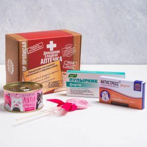 Сладкая аптечка «Домашняя сладкая аптечка»: леденец 15 г,конфеты 65 г, чай 20 г, шоколад 27 г