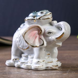 "Нэцкэ ""Слон с жабой на спине"" 7,5х9,5х8 см"