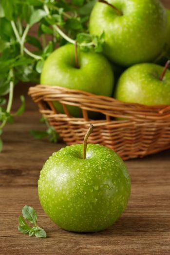 Яблоко зеленое (цена за кг)