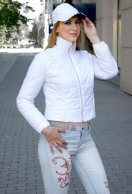 Короткая куртка женская