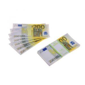 Пачка купюр 200 евро 770166