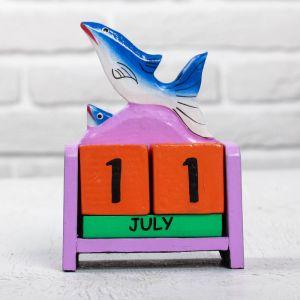 "Деревянный календарь ""Дельфины"" 10х5х13 см 2630702"