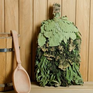 """Веник для бани """"Венок здоровья"""" из кавказского дуба с травами, в индивидуальной упаковке   4584062"""