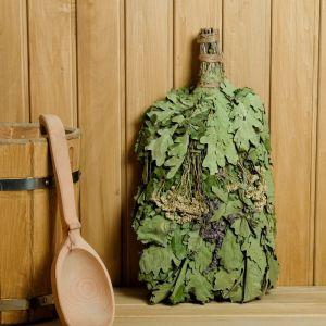 Веник для бани ЭКСТРА из кавказского дуба с букетом трав, в индивидуальной упаковке   4584059