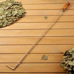 Кочерга металлическая с деревянной ручкой, с узором, 70?10?3 см   4461110