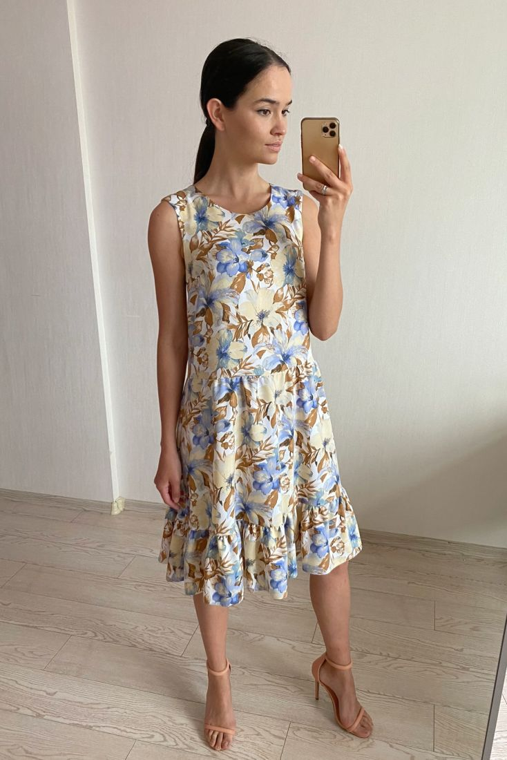 s1785 Платье средней длины с цветами