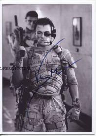 Автограф: Жан-Клод Ван Дамм. Универсальный солдат