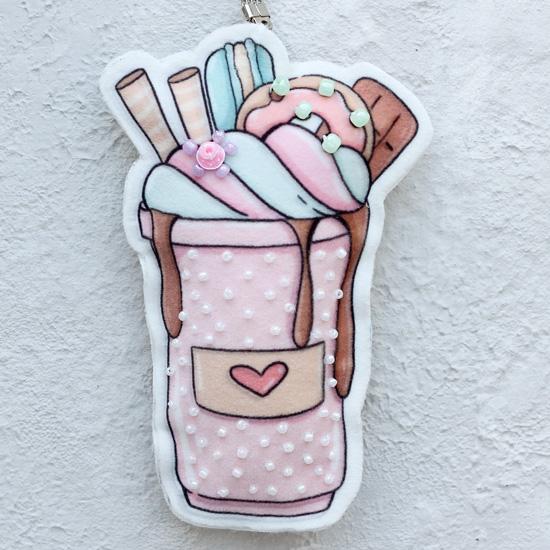 Набор для шитья текстильного брелока-подвески Мороженое