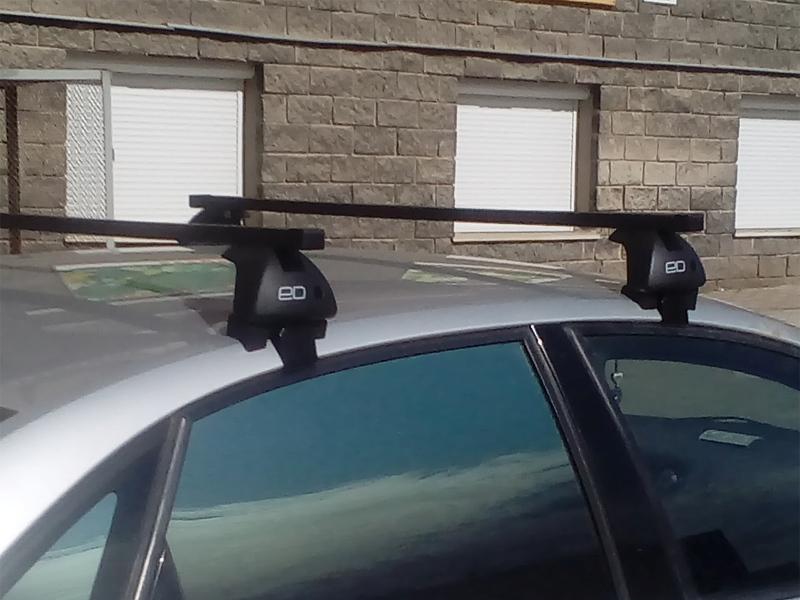 Багажник на крышу Kia Rio 2017-..., sedan, Евродеталь, стальные прямоугольные дуги