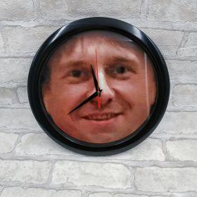 Часы настенные с изображением Александра Муратаева by Павел Бах