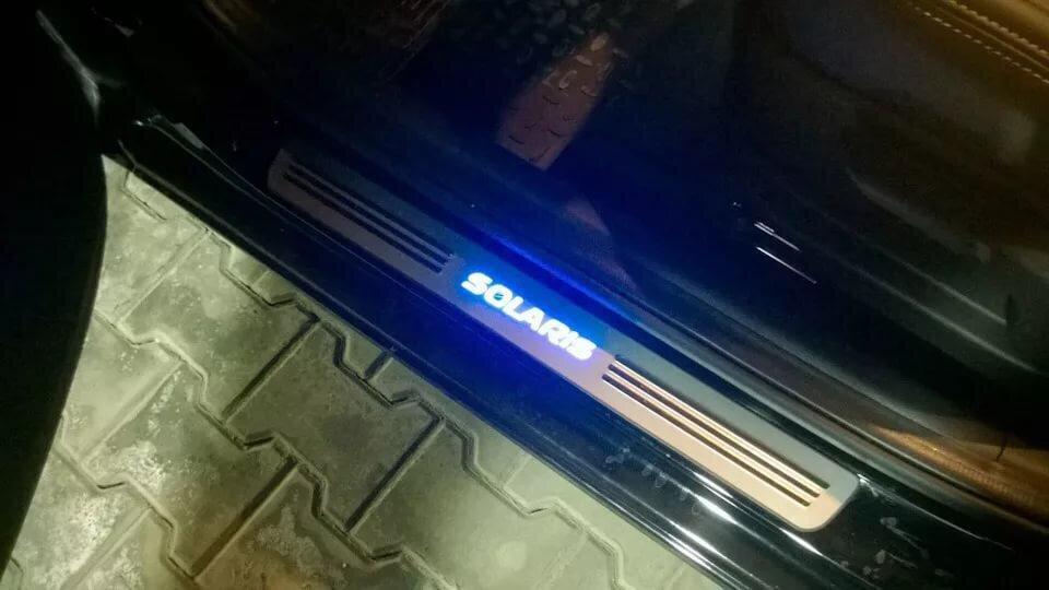 Накладки на пороги Hyundai Solaris с подсветкой (2011-2016г)