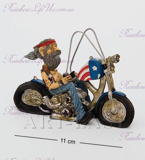 "Фигурка стильный байкер на мотоцикле ""W.Stratford"""