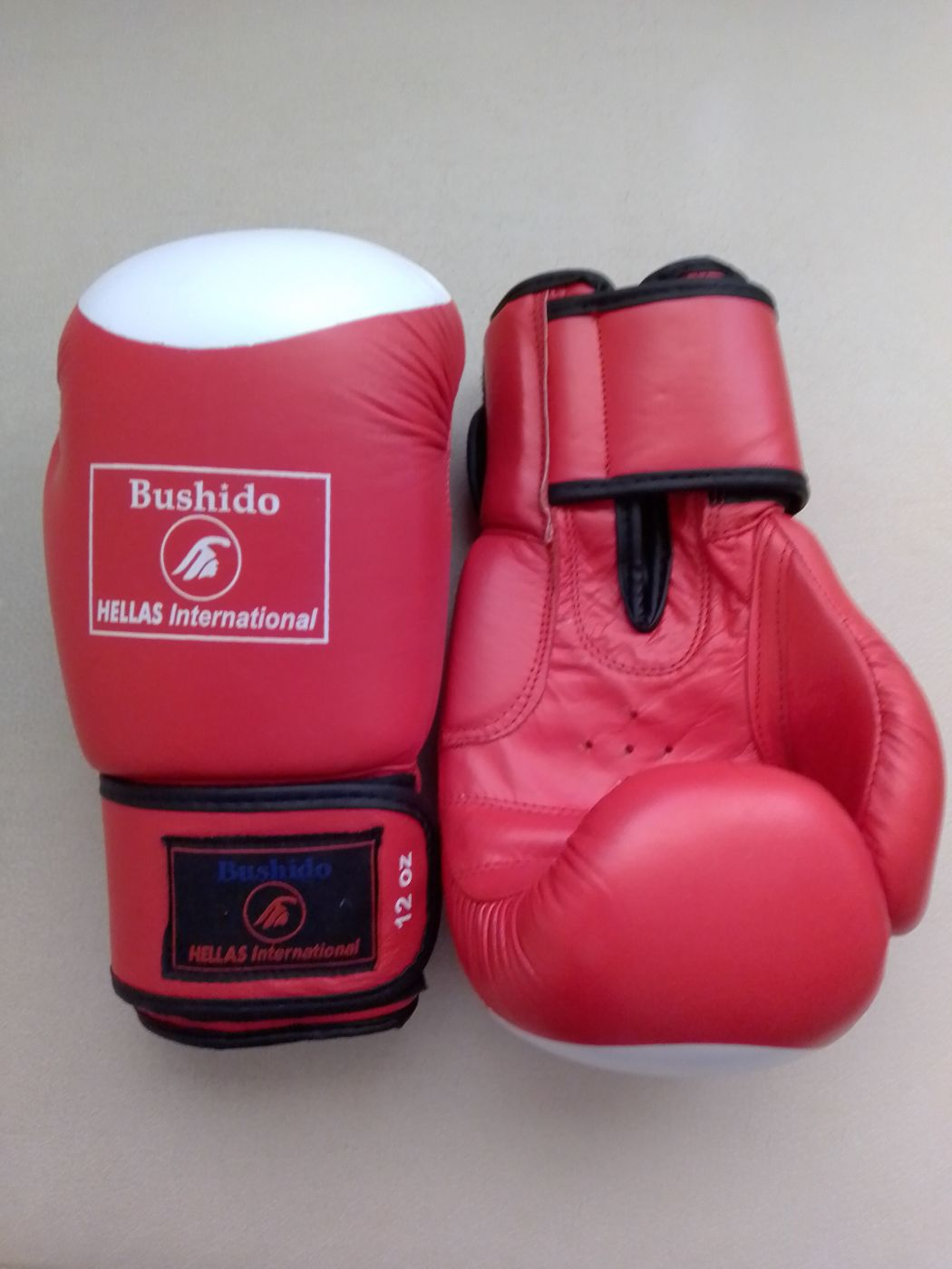 Боксерские перчатки BUSHIDO, красные 12 унц.   WBG-226