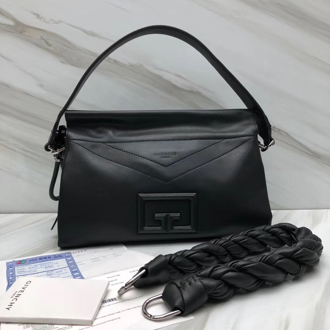 Givenchy ID93