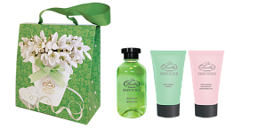Liss Kroully Skin juice Парфюмерно-косметический подарочный набор NP-1803 Сумочка Пена для ванн 270 мл + Гель-скраб для тела 75 мл + Крем для рук питательный 75 мл