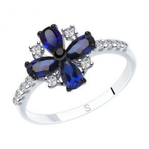 Кольцо из серебра с синими корунд (синт.) и фианитами 88010058 SOKOLOV