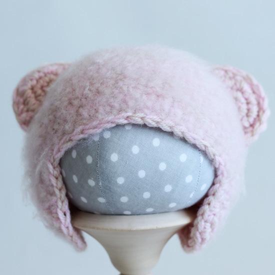 Вязаная шапочка Мишка розовый меланж