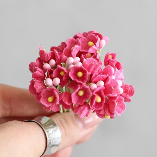 Букетик бумажных цветов, малиновый - Кукольная миниатюра