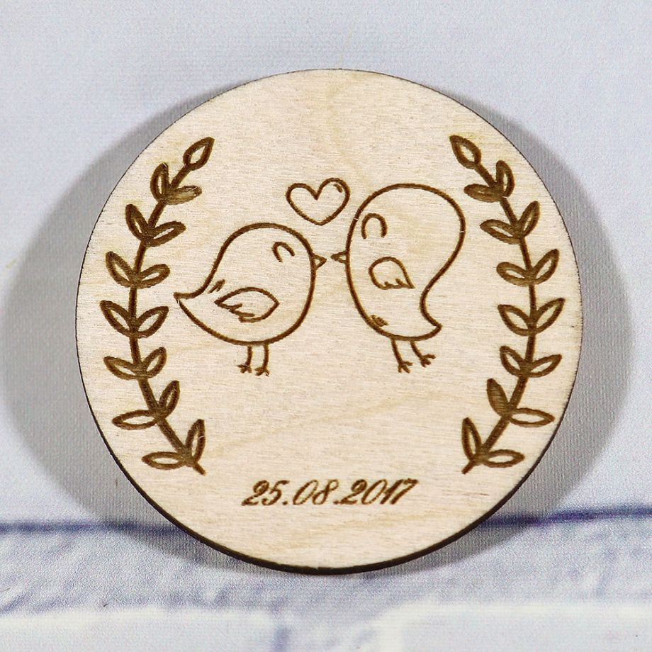 Свадебные магниты из дерева круг с птичками