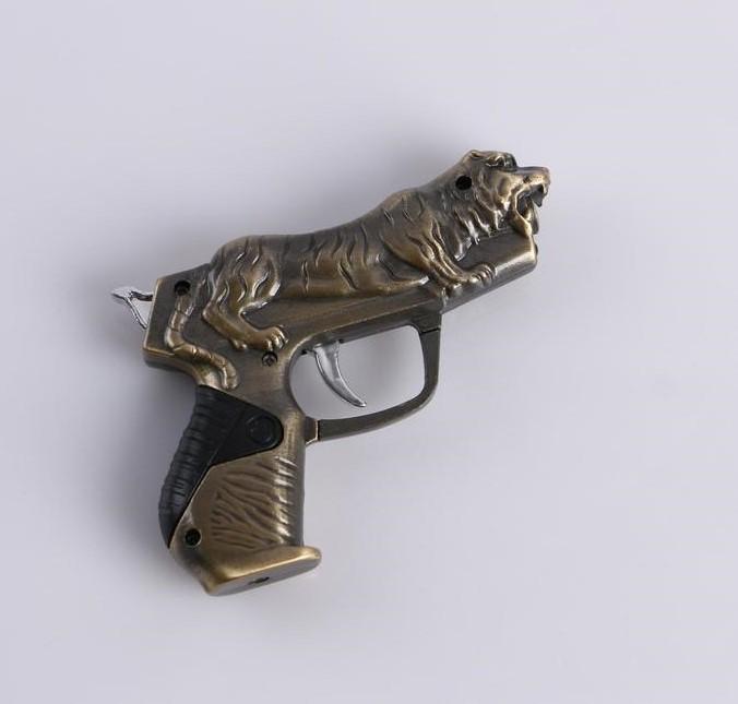 Зажигалка пистолет с тигром