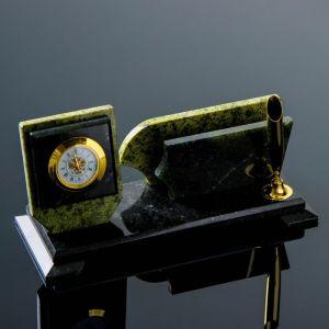 Визитница «Змеевик»: подставка для ручки, часы