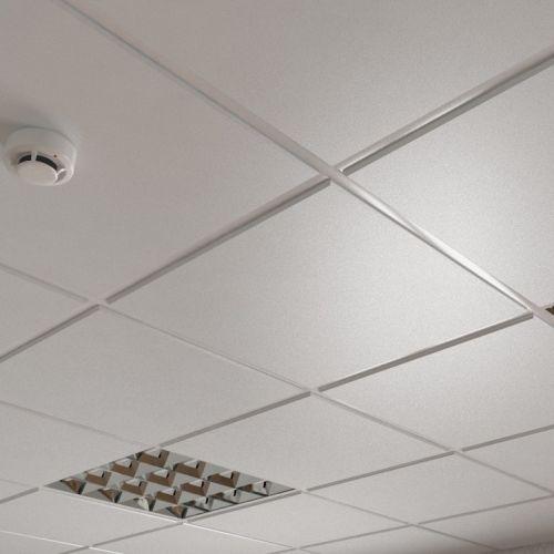 Потолок кассетный армстронг Cesal Tegular line C01 Жемчужно-Белый Глянцевый Profi 595х595 мм