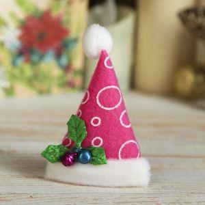 """Магнит """"Новогодний колпак с ягодками"""" 8*6 см розовый 512529"""