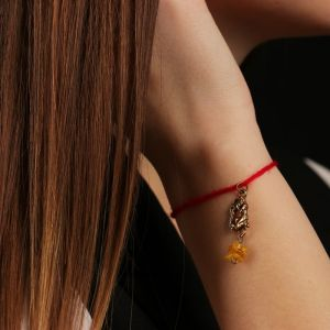 """Браслет-оберег """"Красная нить. Водолей"""" с подвеской, янтарь 4767700"""