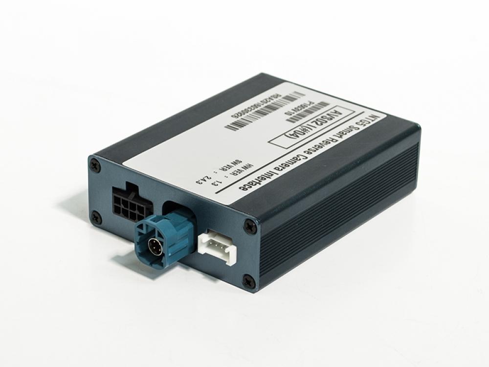 Видеоинтерфейс AVS02i (#04) для подключения камер переднего и заднего вида к заводскому ГУ для Mercedes-Benz