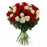 Букет из красных и белых роз от 19 шт