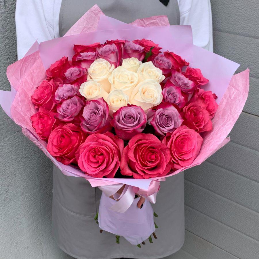 35 роз Эквадор 40 см в красивой упаковке