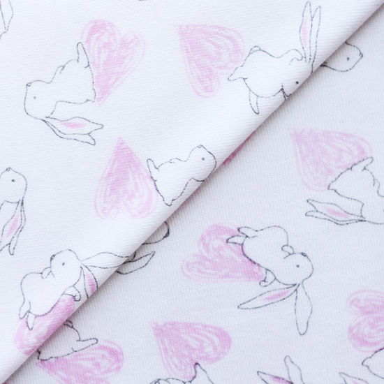 Лоскут трикотажной ткани Зайчики на белом 50х30